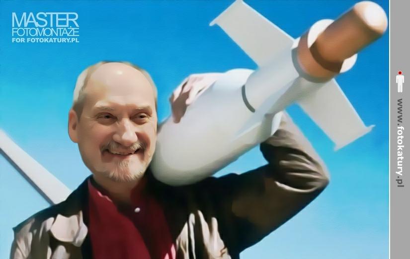 Antonio Macierwicz jako MacGyver - MASTER fotomontaże